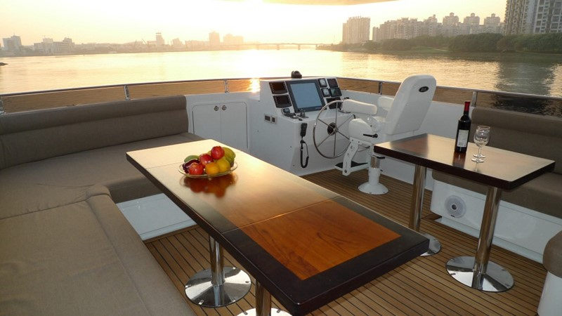 2013 BERING YACHTS  Expedition Yacht 2650585