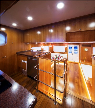 2013 BERING YACHTS  Expedition Yacht 2650603