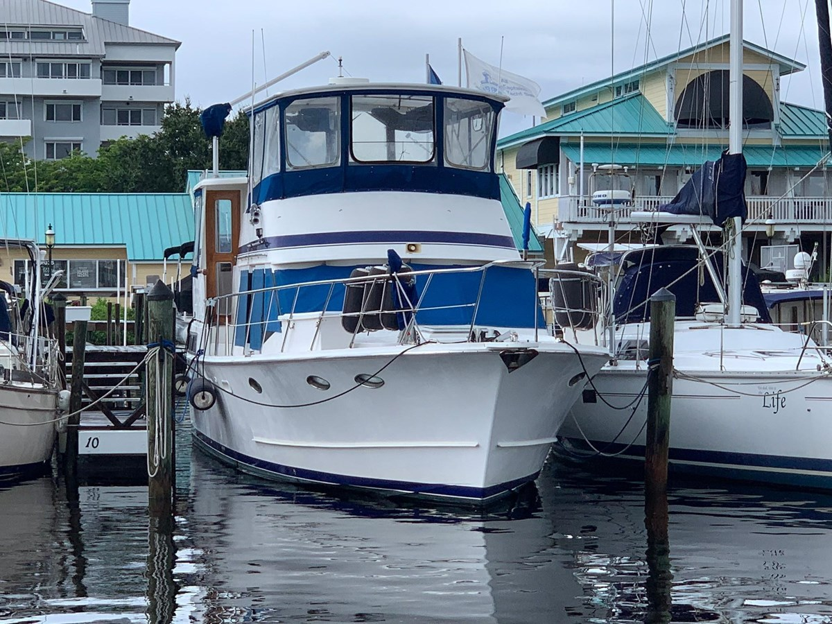 7181393_20190815105505734_1_XLARGE 1990 MARINE TRADER  Trawler 2650631