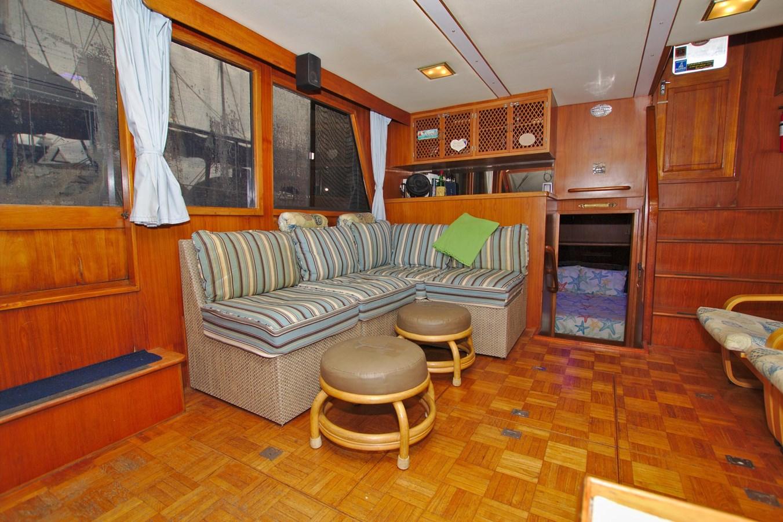 7181393_20190815105547752_1_XLARGE 1990 MARINE TRADER  Trawler 2650658