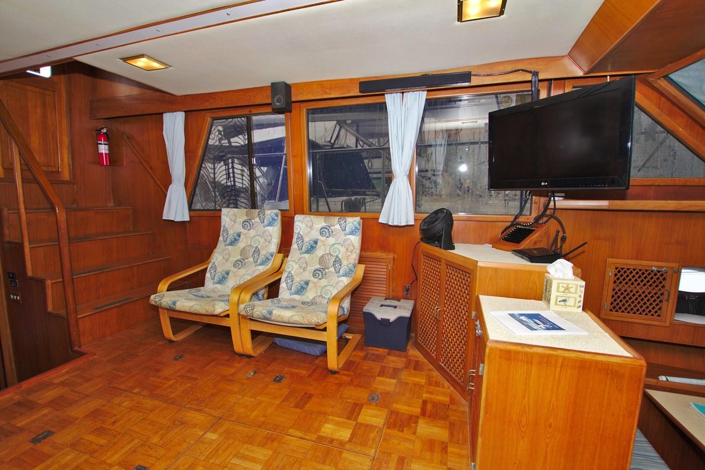 7181393_20190815105549952_1_XLARGE 1990 MARINE TRADER  Trawler 2650659