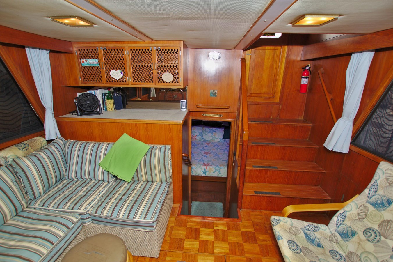 7181393_20190815105556226_1_XLARGE 1990 MARINE TRADER  Trawler 2650660