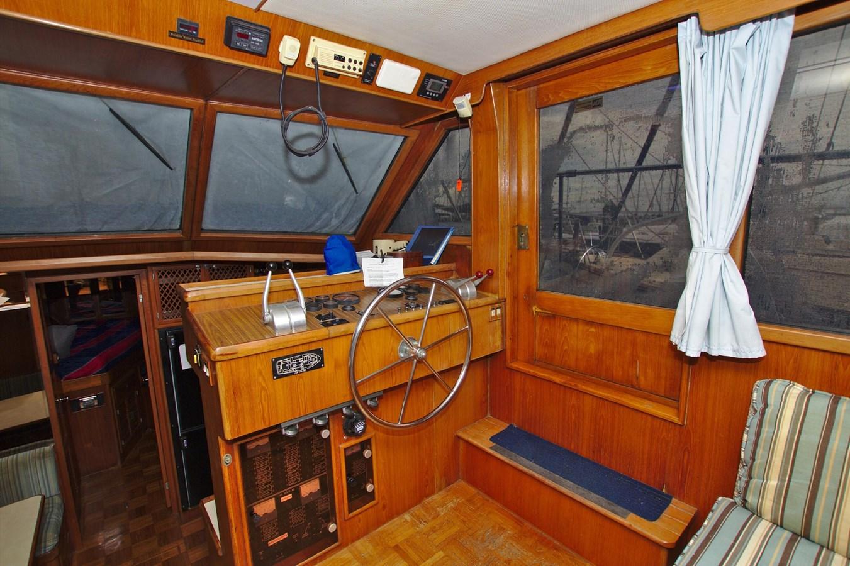 7181393_20190815105545616_1_XLARGE 1990 MARINE TRADER  Trawler 2650668