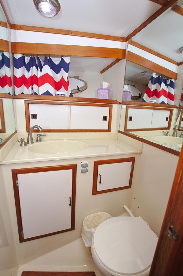 7181393_20190815105631299_1_XLARGE 1990 MARINE TRADER  Trawler 2650678