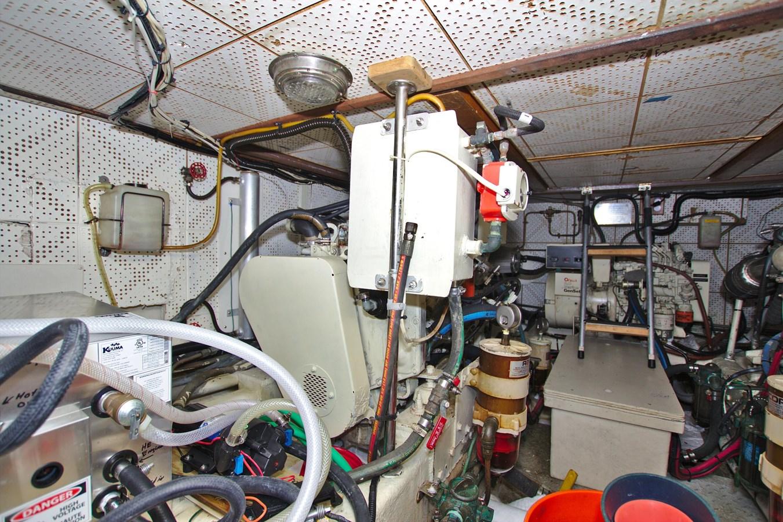7181393_20190815105633841_1_XLARGE 1990 MARINE TRADER  Trawler 2650681