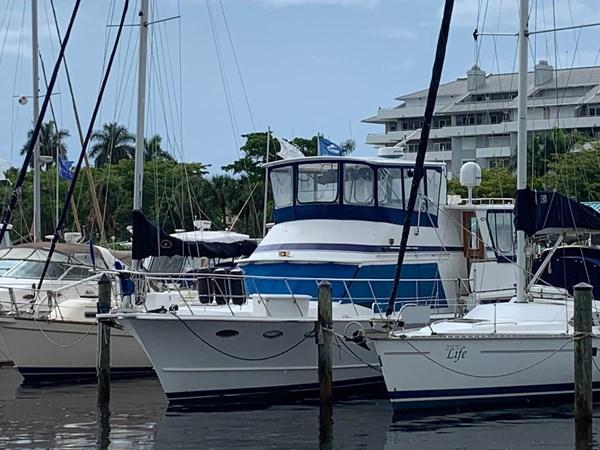 7181393_20190815105455033_1_XLARGE 1990 MARINE TRADER  Trawler 2650632