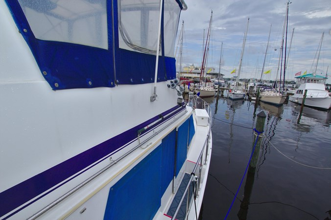 7181393_20190815105530291_1_XLARGE 1990 MARINE TRADER  Trawler 2650639