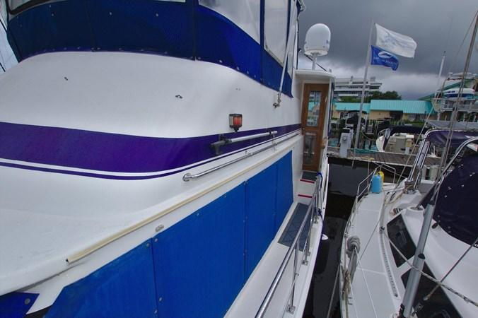 7181393_20190815105524844_1_XLARGE 1990 MARINE TRADER  Trawler 2650644