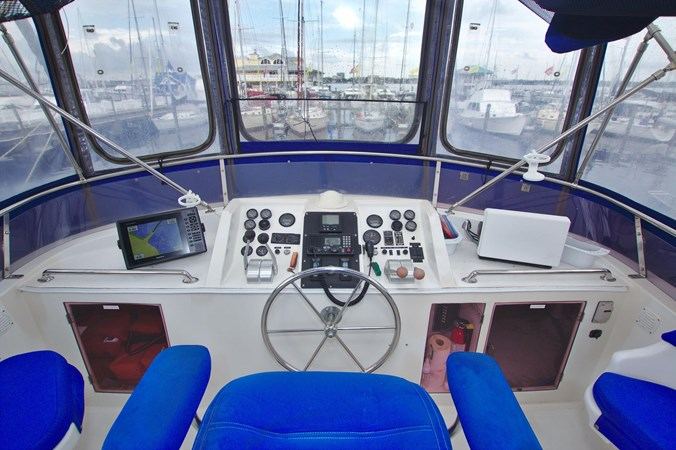 7181393_20190815105543469_1_XLARGE 1990 MARINE TRADER  Trawler 2650652