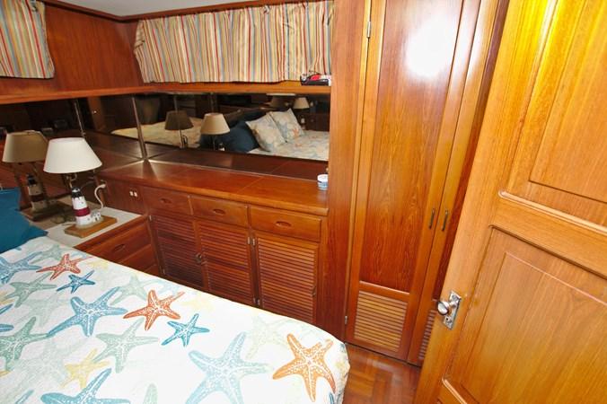 7181393_20190815105602615_1_XLARGE 1990 MARINE TRADER  Trawler 2650663
