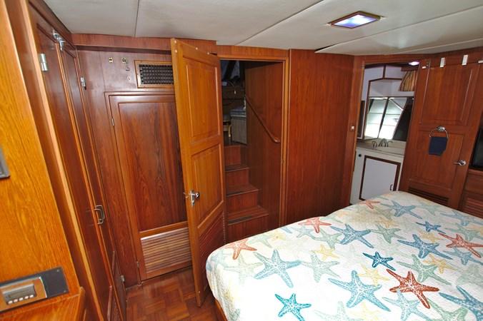 7181393_20190815105606864_1_XLARGE 1990 MARINE TRADER  Trawler 2650664