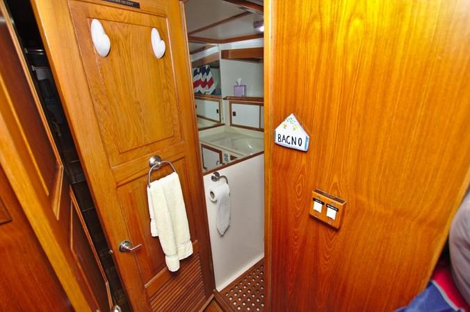 7181393_20190815105629106_1_XLARGE 1990 MARINE TRADER  Trawler 2650676