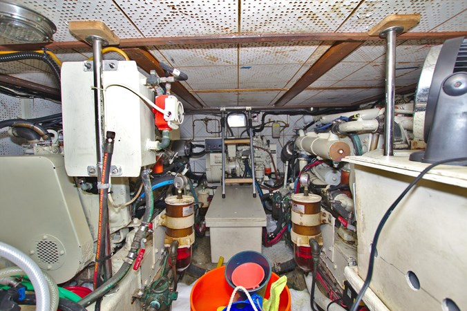 7181393_20190815105636263_1_XLARGE 1990 MARINE TRADER  Trawler 2650689