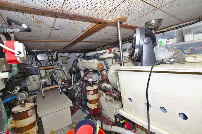 7181393_20190815105639107_1_XLARGE 1990 MARINE TRADER  Trawler 2650697