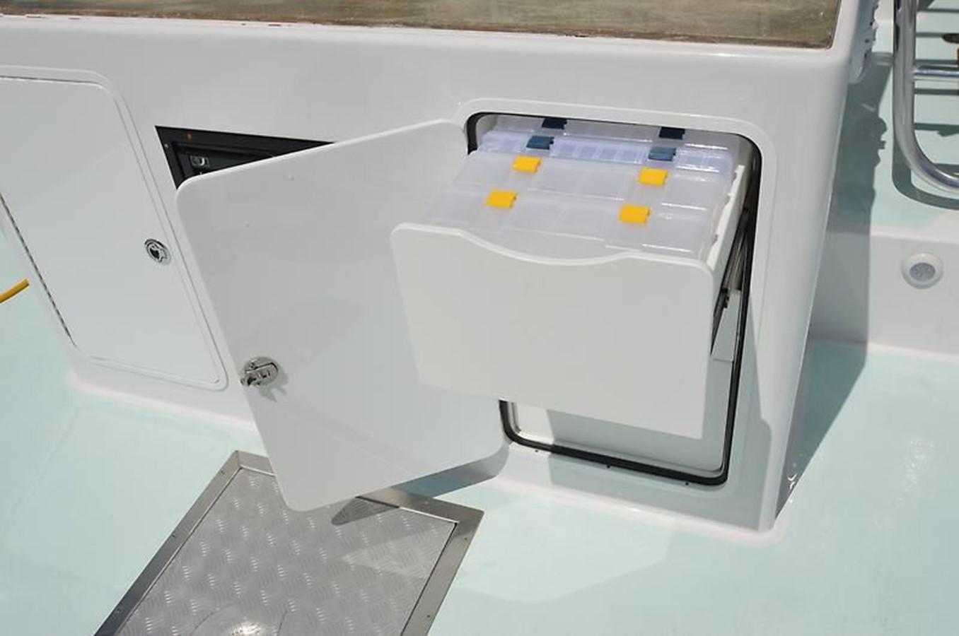 Chesapeake 53 2017 Tackle Storage - 53 Chesapeake Custom For Sale