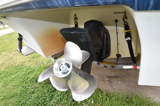 Propellers 2007 FOUR WINNS 258 Vista Cruiser 2659749