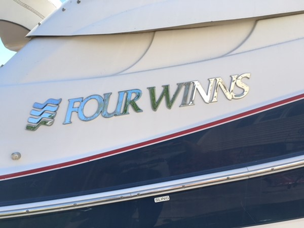 Hull Side 2007 FOUR WINNS 258 Vista Cruiser 2659760