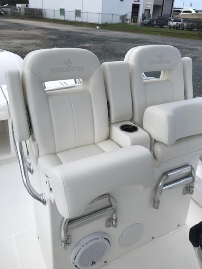 Helm Seats - 28 REGULATOR For Sale