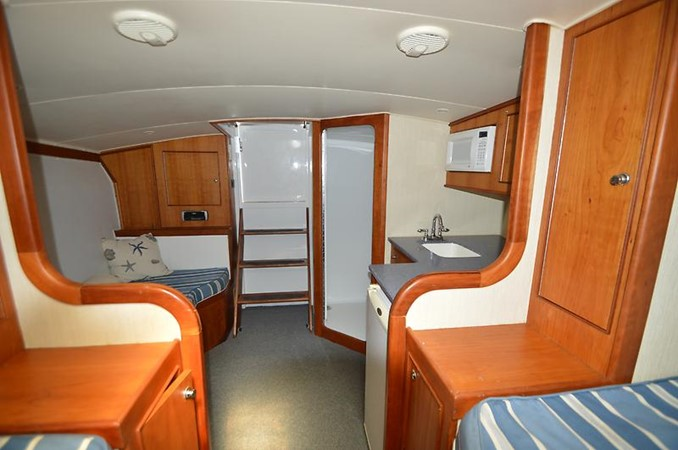 2006 CUSTOM CAROLINA 40 Express Sport Fisherman 2660786