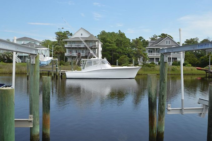 2006 CUSTOM CAROLINA 40 Express Sport Fisherman 2660811