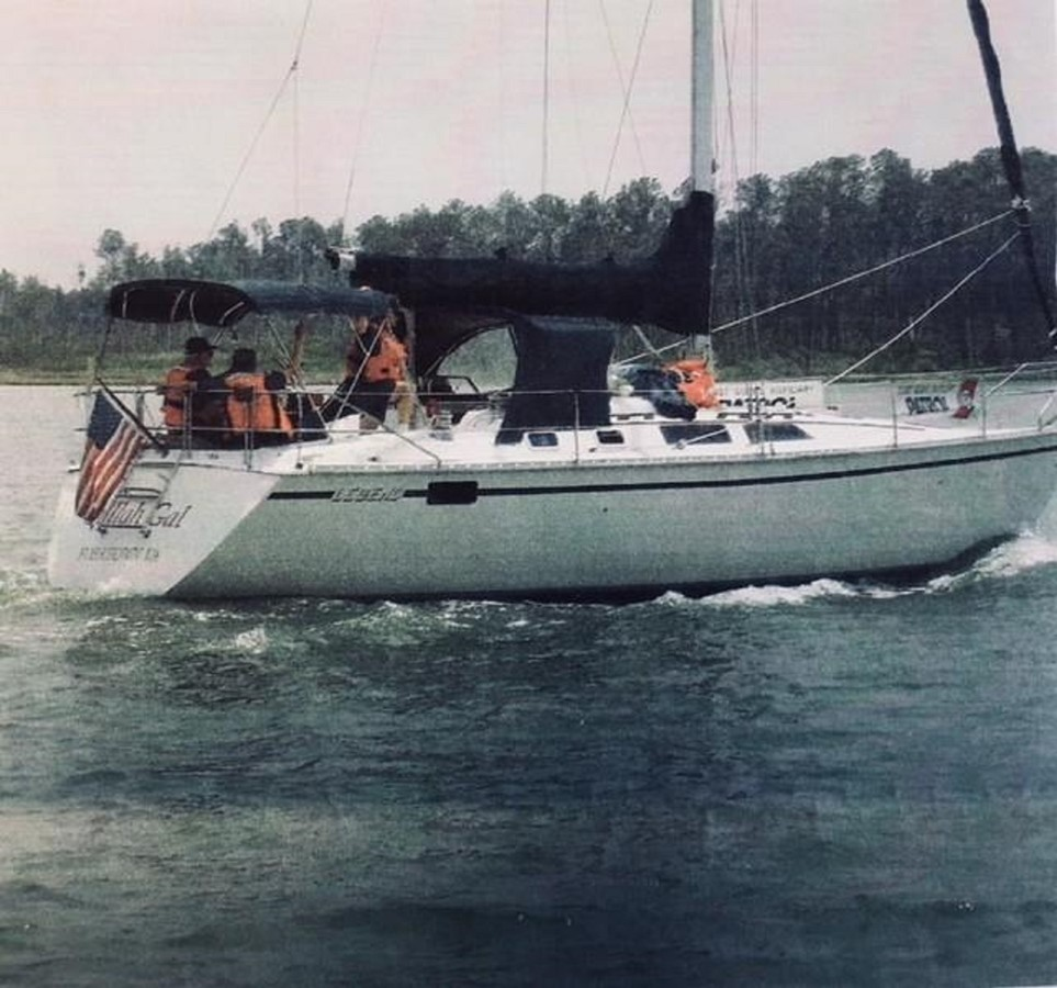 40 Hunter Legen 1989 1989 HUNTER 40 Legend Sloop 2661346