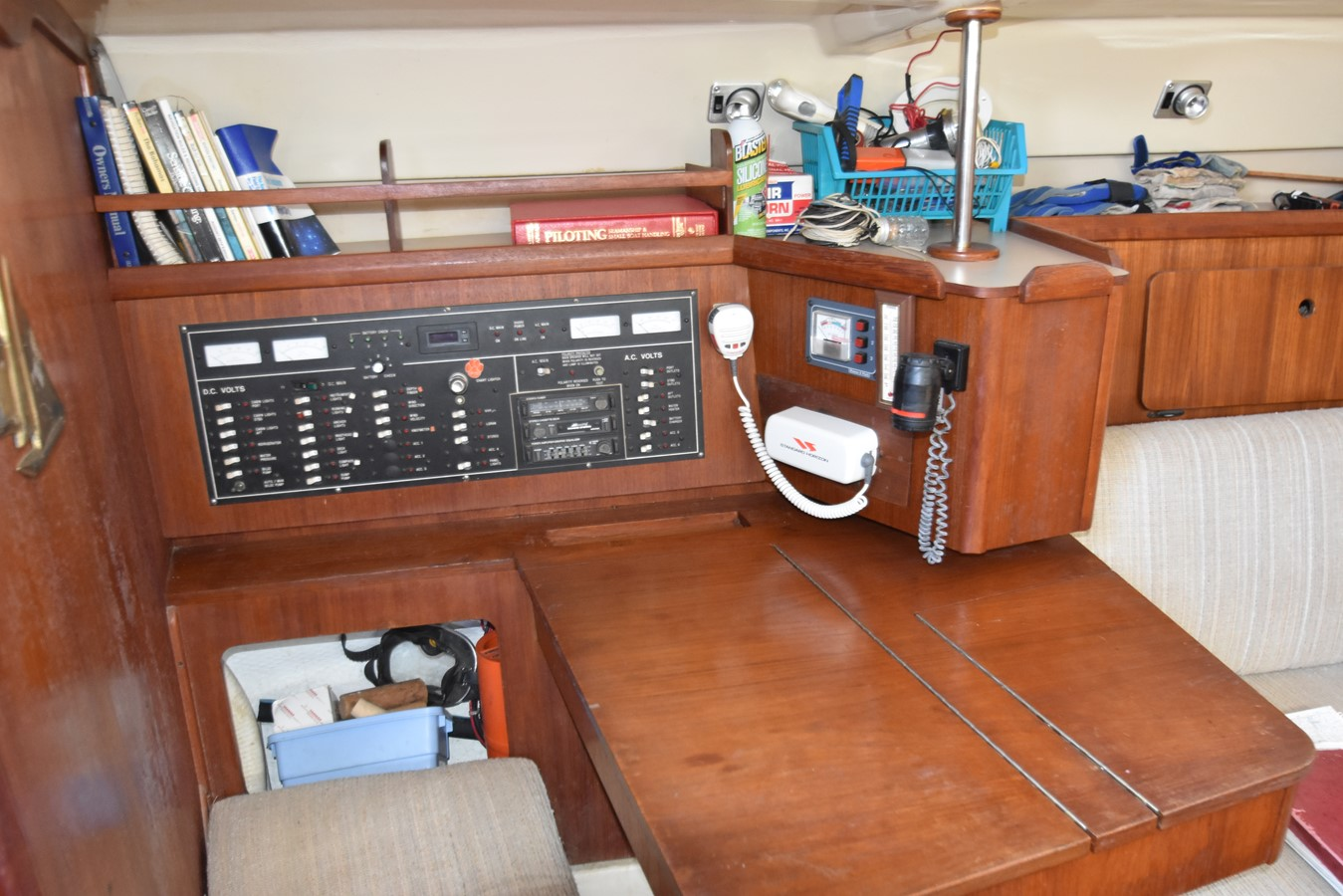 1989 HUNTER 40 Legend Sloop 2661361