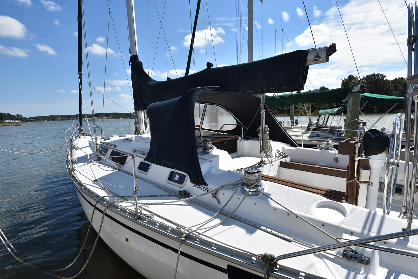 1989 HUNTER 40 Legend Sloop 2661370