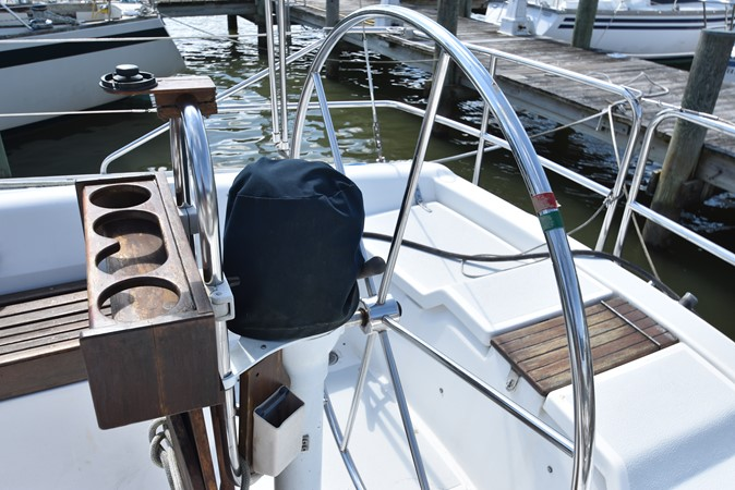 1989 HUNTER 40 Legend Sloop 2661350