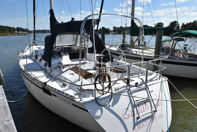 1989 HUNTER 40 Legend Sloop 2661351