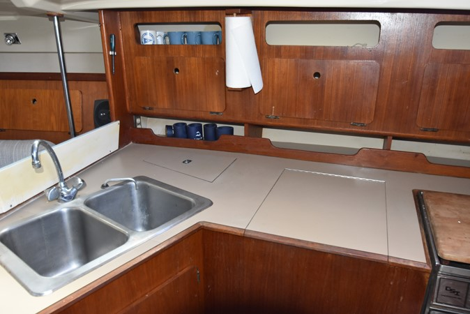 1989 HUNTER 40 Legend Sloop 2661358
