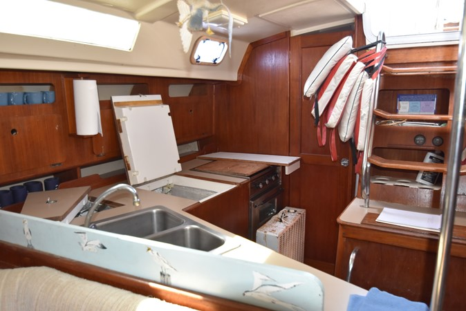1989 HUNTER 40 Legend Sloop 2661364