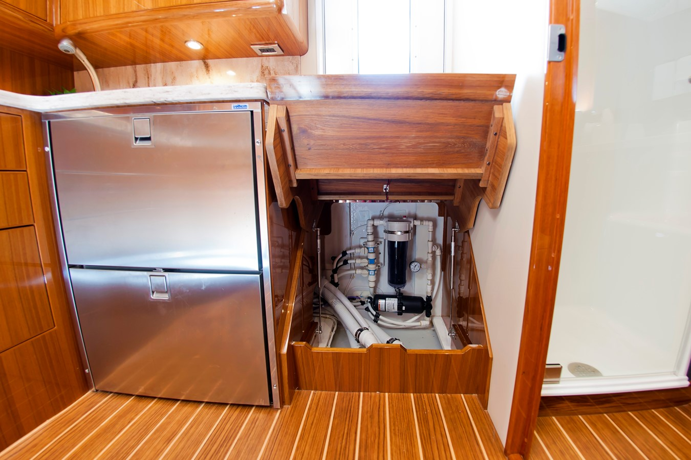 Interior Access - 38 VIKING For Sale
