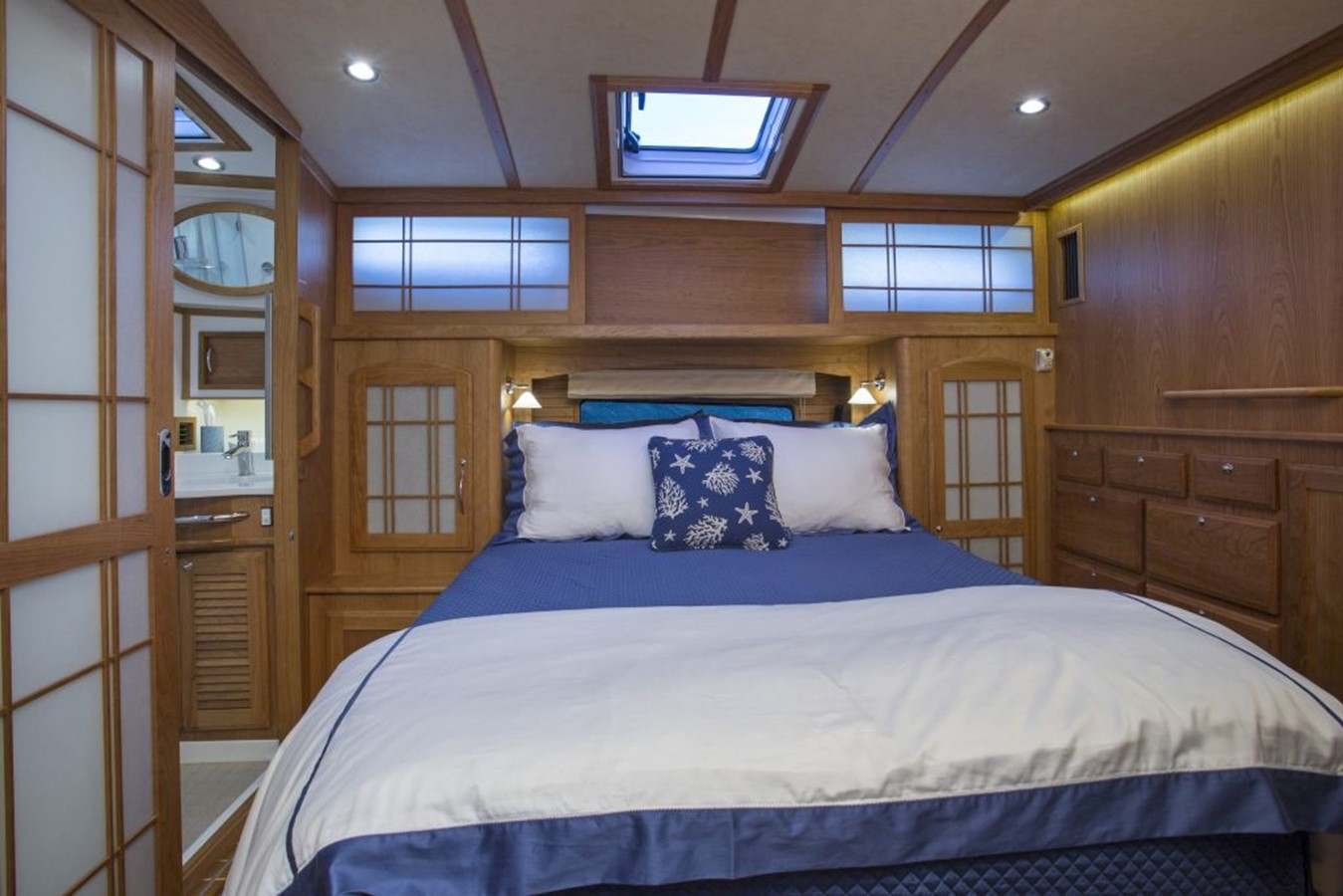 Forward Stateroom - 48 SABRE YACHTS For Sale
