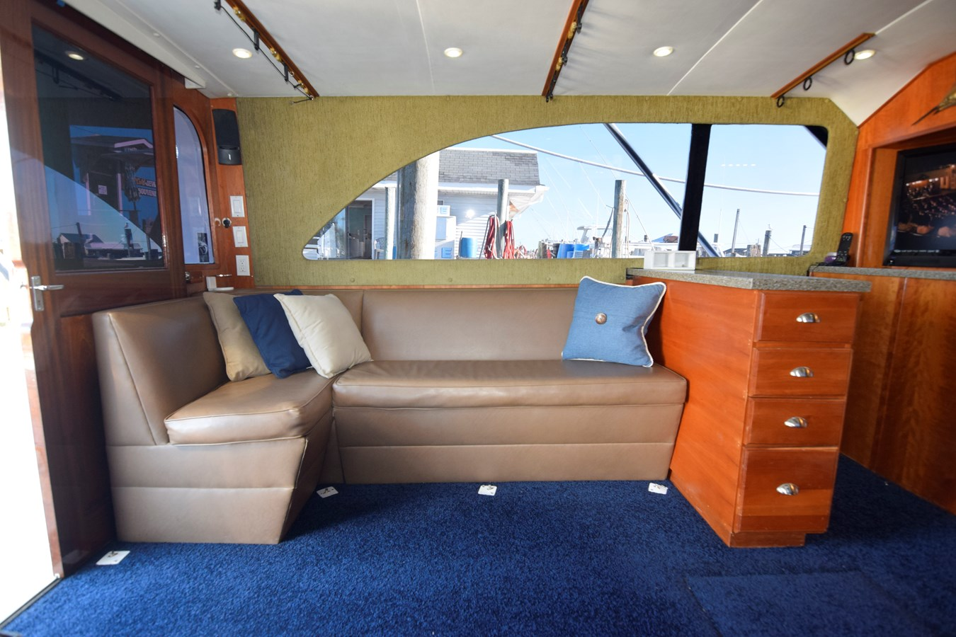 32 - 46 HATTERAS For Sale