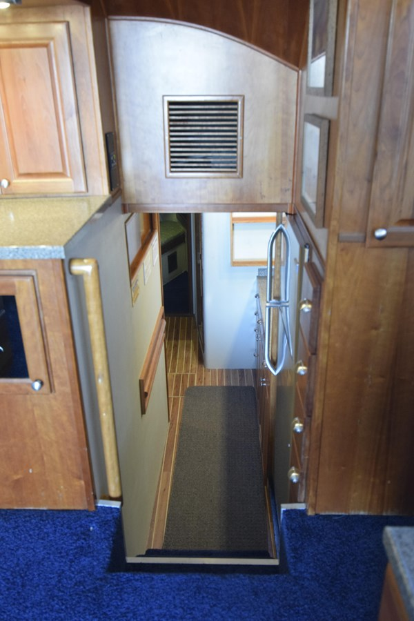 43 - 46 HATTERAS For Sale