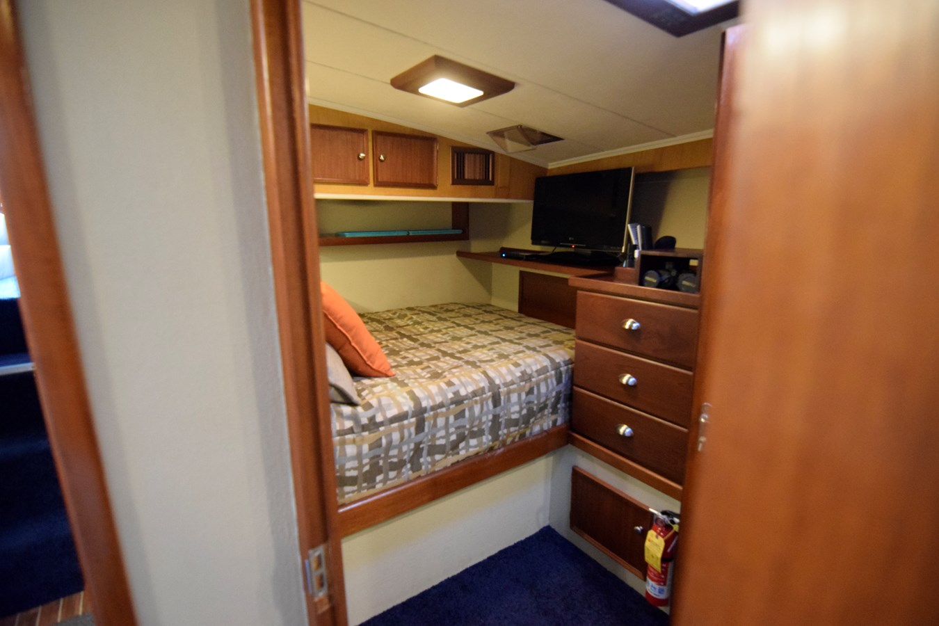 61 - 46 HATTERAS For Sale