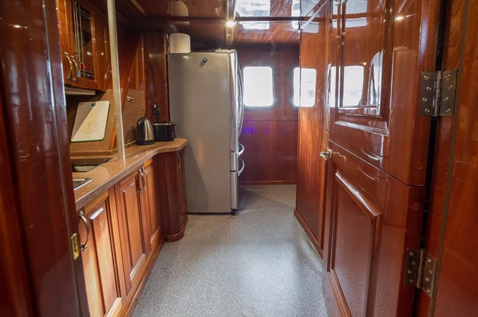 2011 CUSTOM  Trawler 2668199