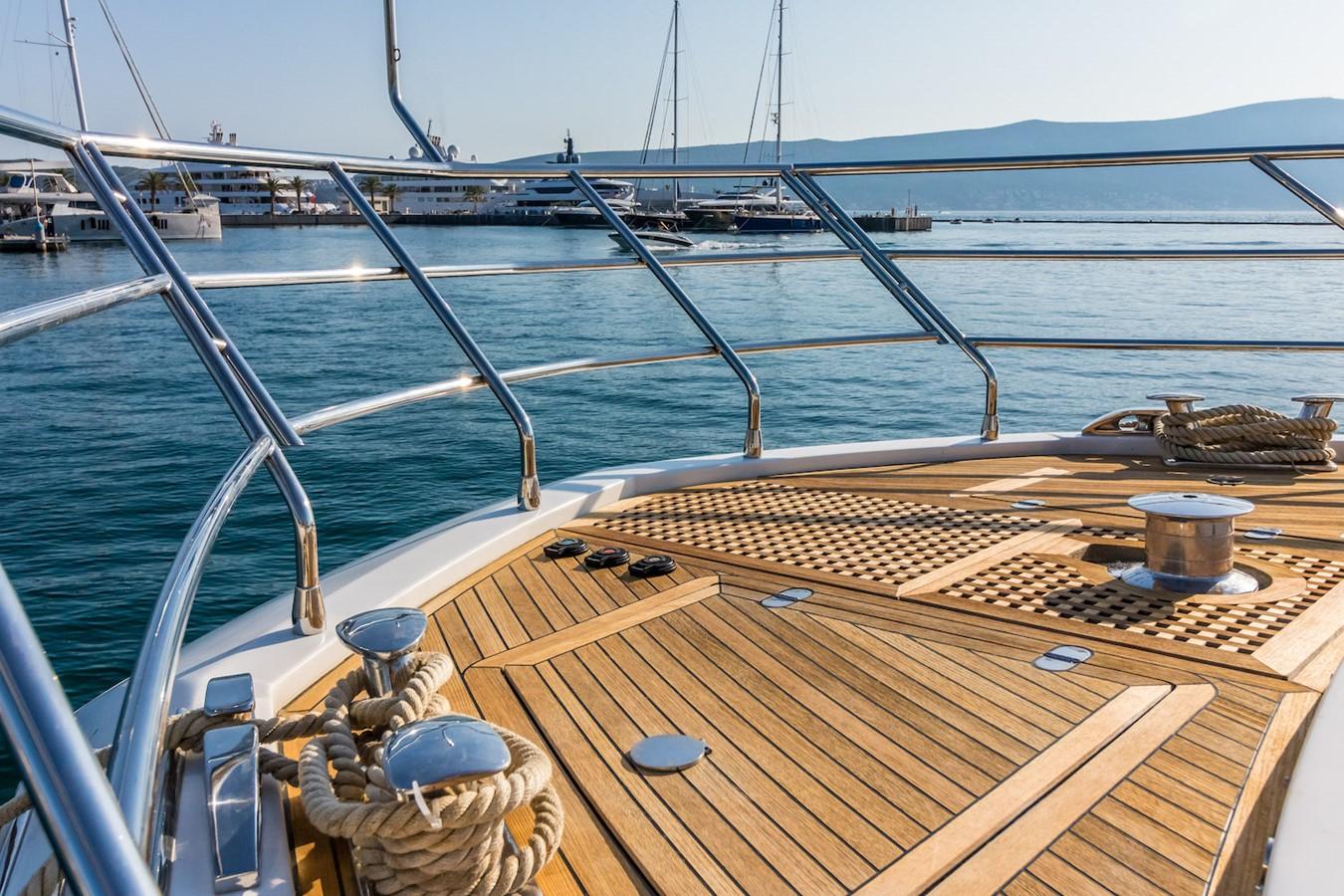 Bow 2016 AZIMUT 80 Motor Yacht 2668164