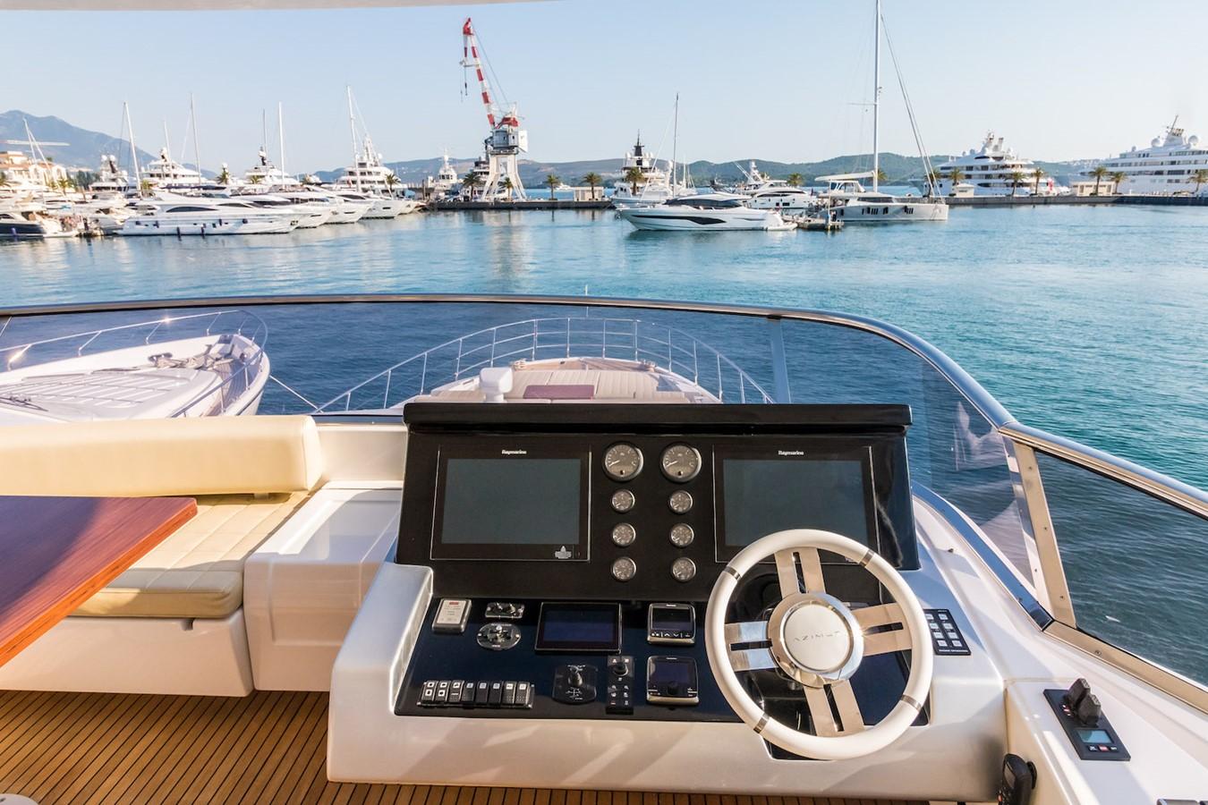 Helm station on flybridge 2016 AZIMUT 80 Motor Yacht 2668167