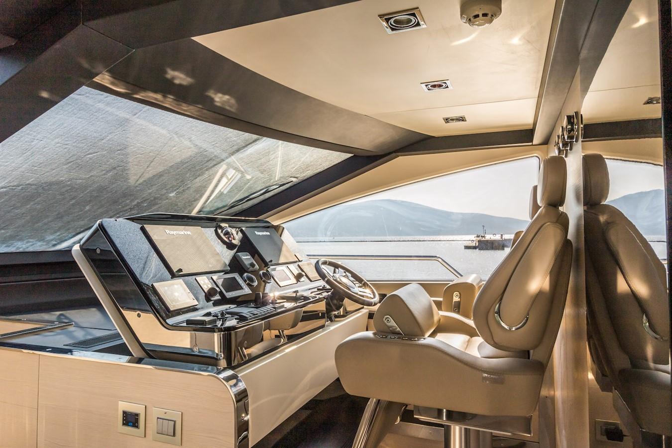 Main helm station 2016 AZIMUT 80 Motor Yacht 2668174