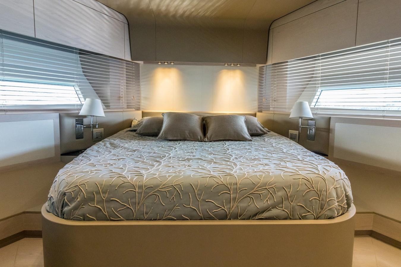 VIP cabin 2016 AZIMUT 80 Motor Yacht 2668183