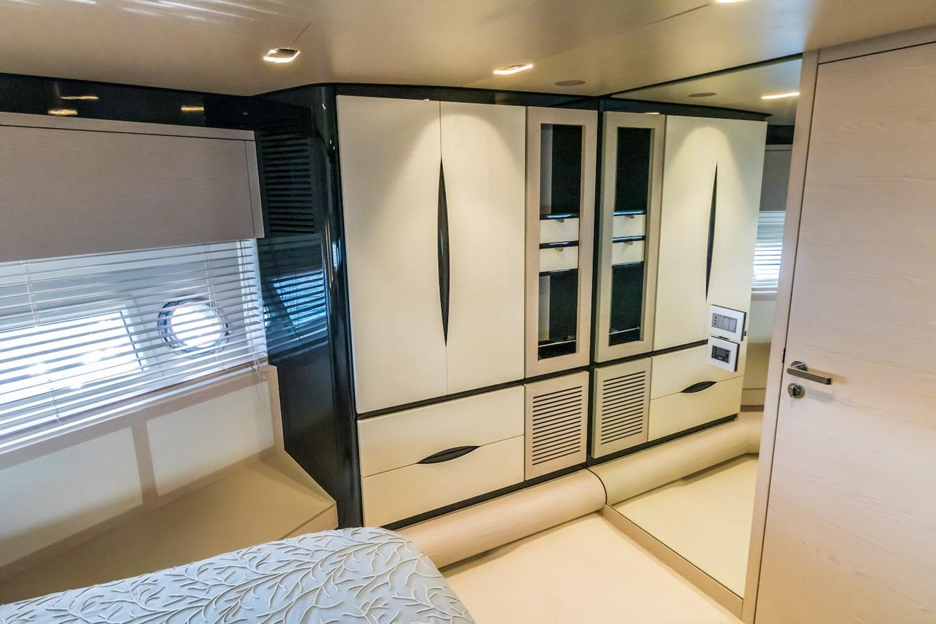 VIP cabin 2016 AZIMUT 80 Motor Yacht 2668184