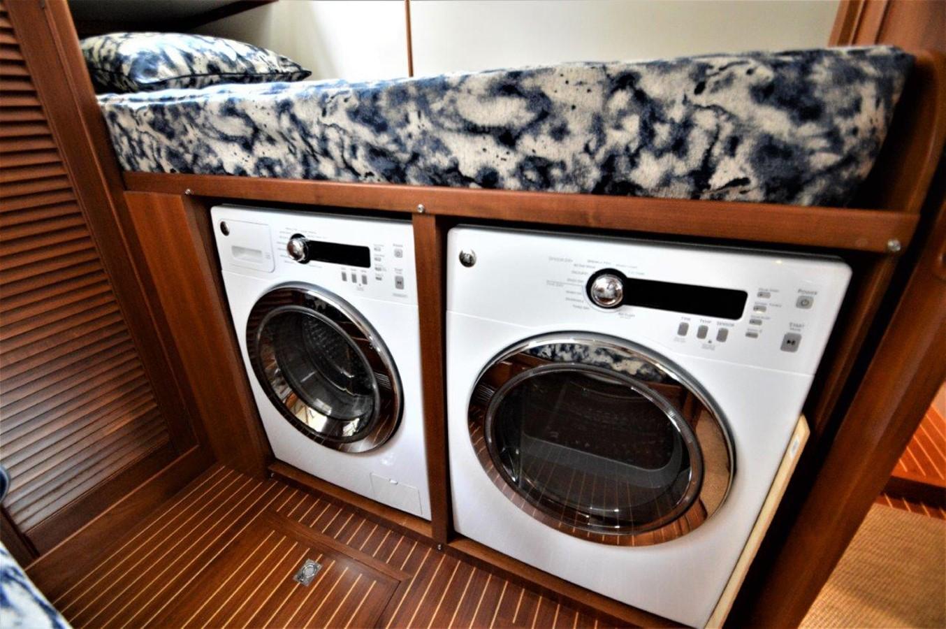 2000 GRAND BANKS 49 Eastbay HX Cruiser 2669768