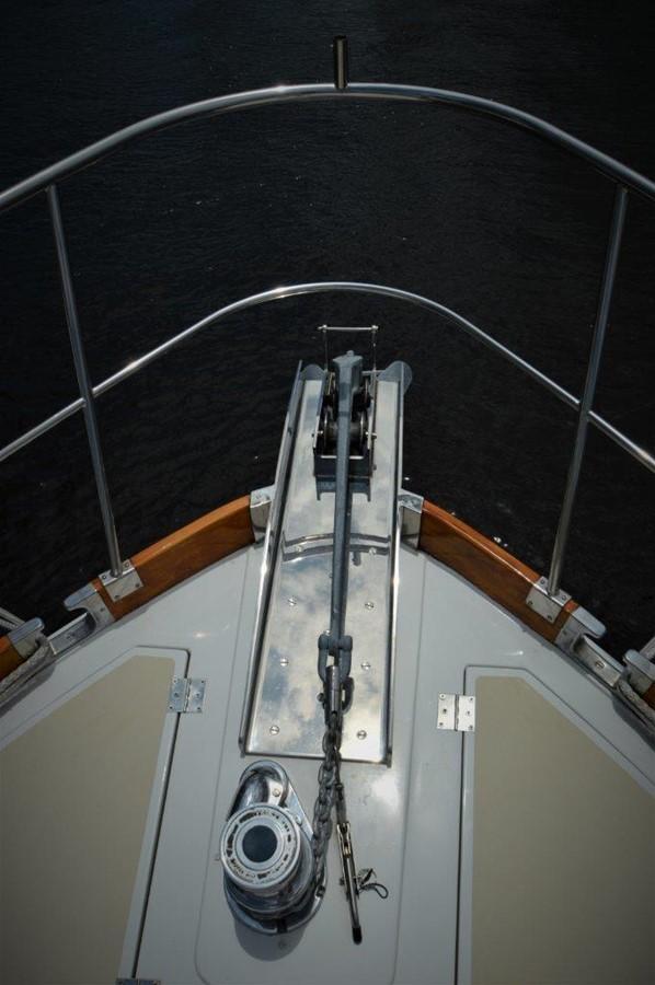 2000 GRAND BANKS 49 Eastbay HX Cruiser 2669772