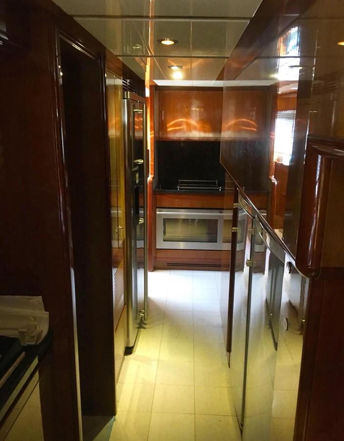 2003 FERRETTI YACHTS  Motor Yacht 2670056