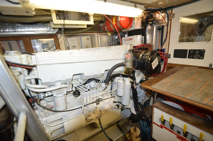 17 1993 GRAND BANKS Classic Trawler 2678308
