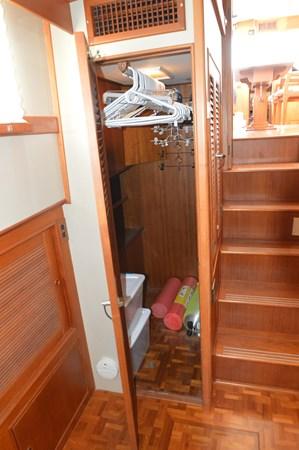 90 1993 GRAND BANKS Classic Trawler 2679052
