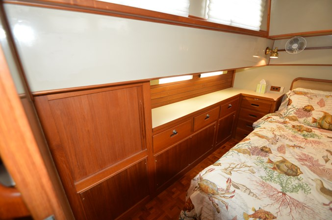 96 1993 GRAND BANKS Classic Trawler 2679058