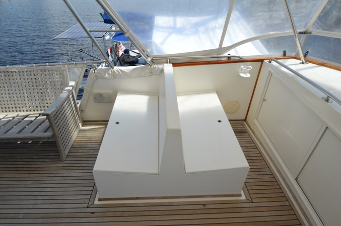131 1993 GRAND BANKS Classic Trawler 2679094