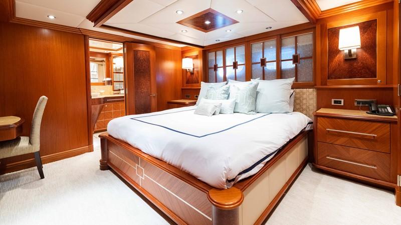 Guest Stateroom - Port 2008 TRINITY Tri-Deck Motor Yacht 2672513